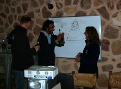 Moudi the IDC Staff instructor in Egypt explains the PADI Pyramid ...!